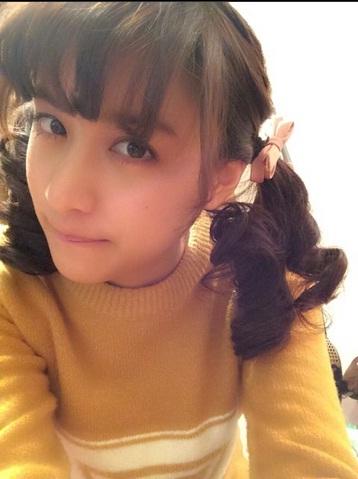 モデル・山本美月がツインテール姿を披露、「可愛すぎる」「大好き」とネット上で大人気