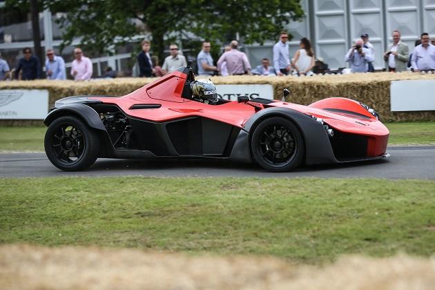 【ビデオ】英国の軽量スポーツカー、BAC「Mono」が新開発エンジンを搭載して305馬力に進化