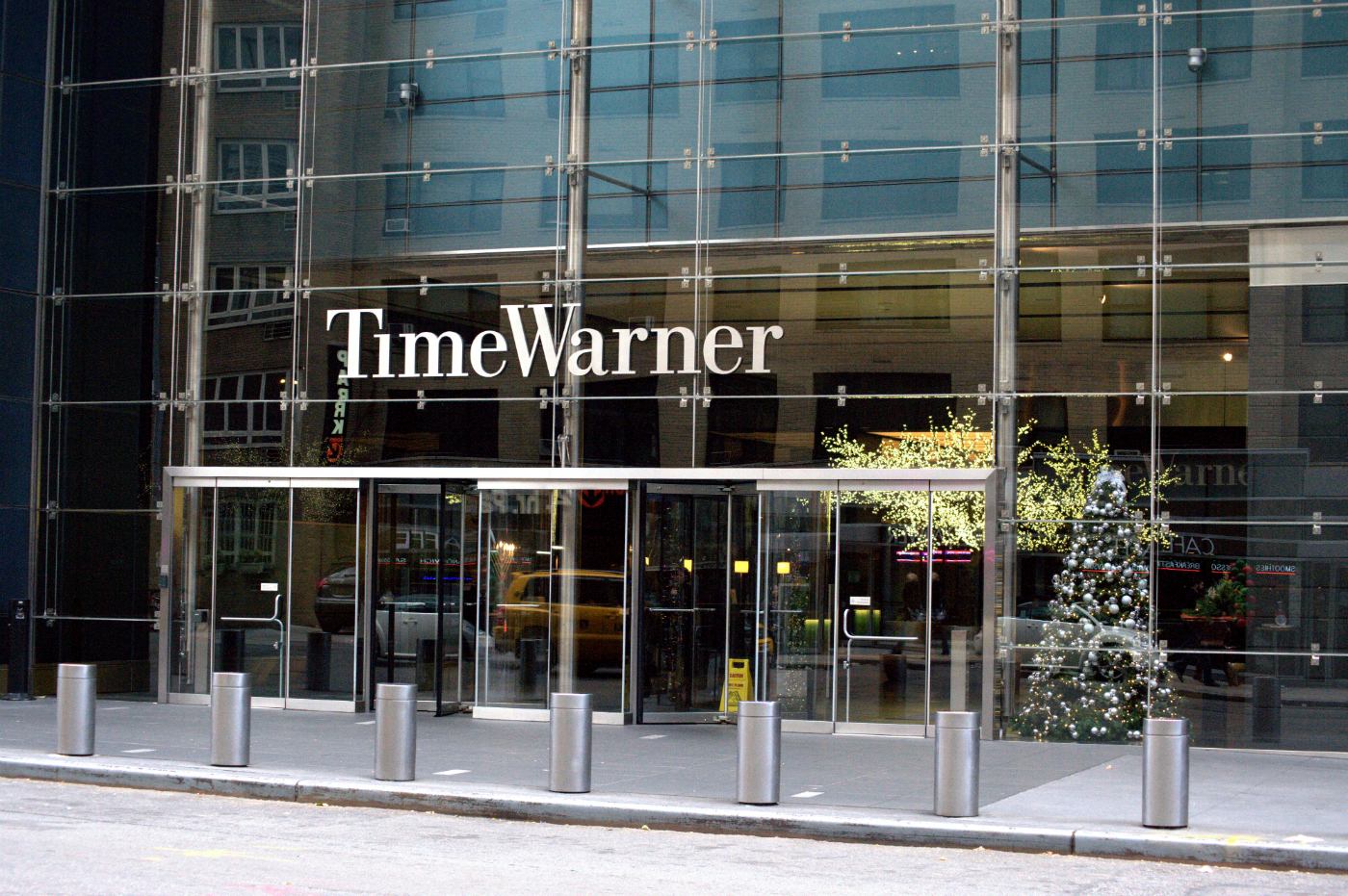 model stock research for the time warner company essay Blonigen was quick to point out that the paper says nothing about any individual deal, including the at&t-time warner blockbuster deciding whether to approve or reject that merger will require significant work to go over detailed data about each company and the media industry.