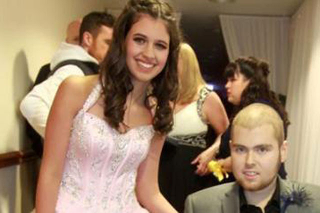 Terminally ill teenager fulfils dying wish by taking girlfriend to school prom