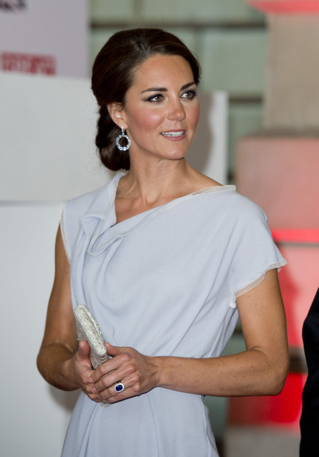 kate-middleton-ralph-and-russo-gown-australia-tour