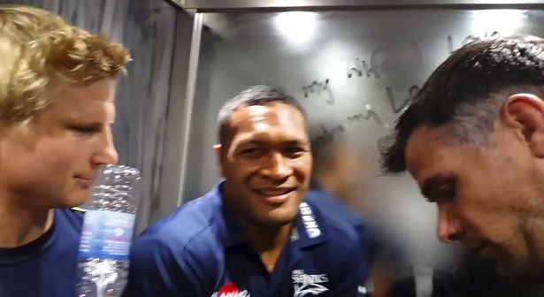 Players in lift