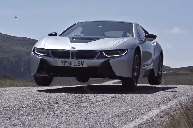 【ビデオ】米メディアがBMW「i8」など未来を担うEV車を試乗