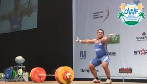 【リオ五輪】予選で敗れるもこのサービスぶり! 重量挙げ選手がみせたお茶目パフォーマンスがネット上で話題に