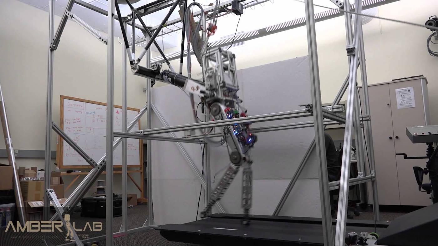 AMBER Lab robot jogs just like a human