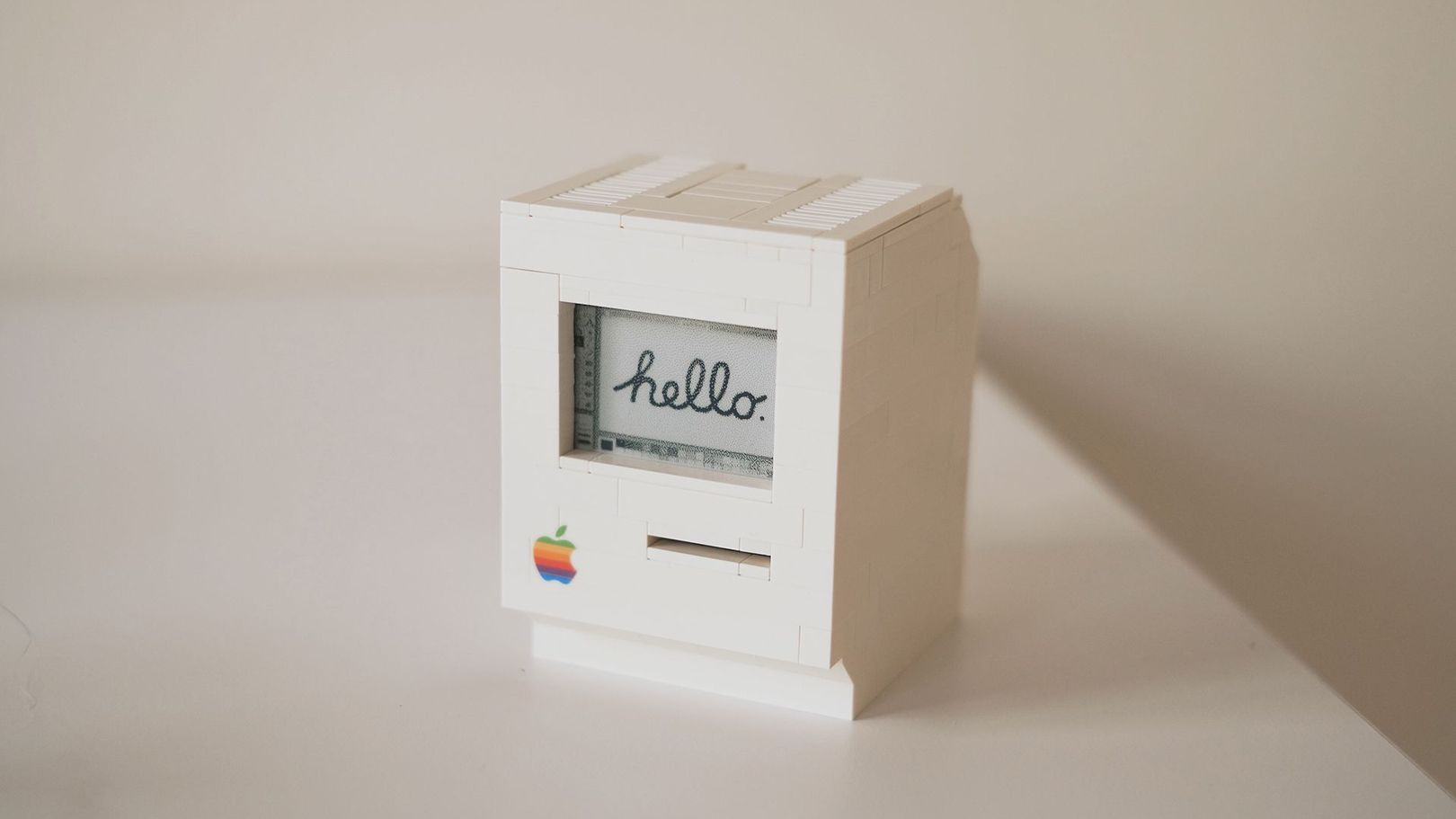 Shut up and take my money: un Macintosh hecho de LEGO y Raspberry Pi