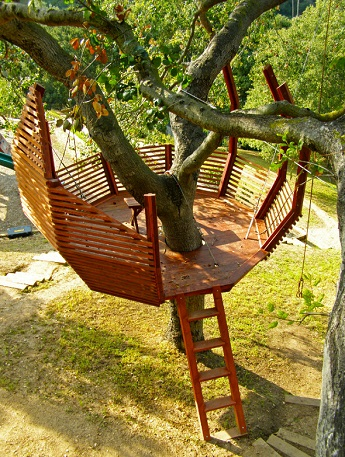Treehouse designed by O2 Treehouse