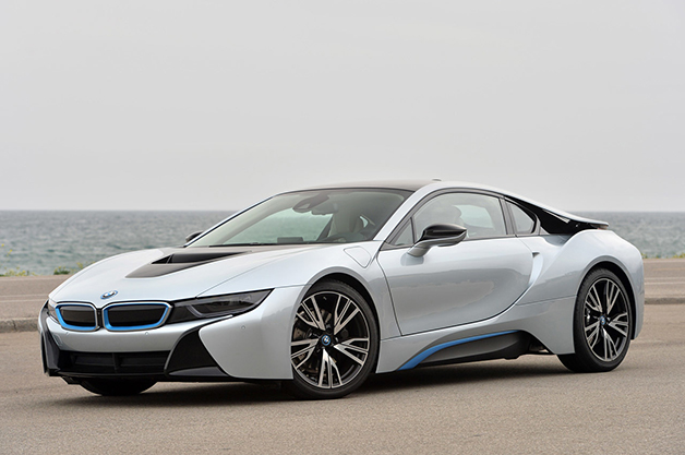 2015 BMW i8, front three-quarter view.