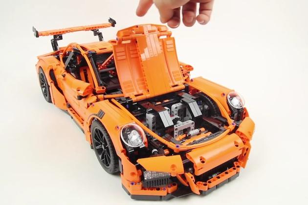 【ビデオ】ポルシェ「911 GT3 RS」をレゴで再現! 856もの組み立て手順を収めたタイムラプス映像