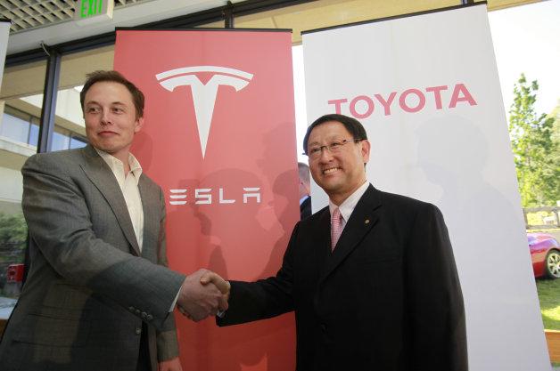 【レポート】トヨタがダイムラーに続き、テスラ株を売却