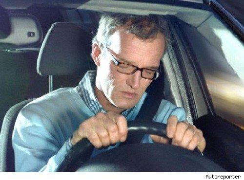 autofahrer, übermüdet, übermüdung, Übermüdung, Blindflug, featured, gefängnis, kraftfahrer, müde, müdigkeit, recht, sekundenschlaf, strafbar, Unfall, hinterm steuer einschlafen, am steuer einschlafen,