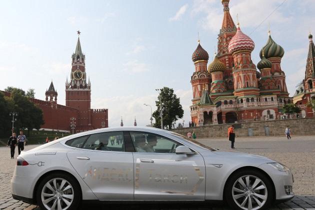 ロシアの全ガソリンスタンドで、EV用充電設備の導入が義務付けに
