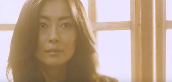 中山美穂が19年ぶりに『FNS歌謡祭』出演しファンから喜びの声 「いつまで経ってもミポリン」「懐かしすぎて涙出てくる」