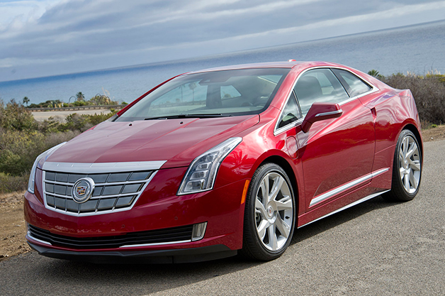 Cadillac ELR, front three-quarter view.