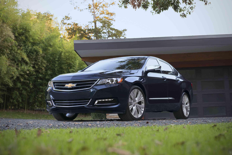 stop start standard in four cylinder 2015 chevrolet impala. Black Bedroom Furniture Sets. Home Design Ideas