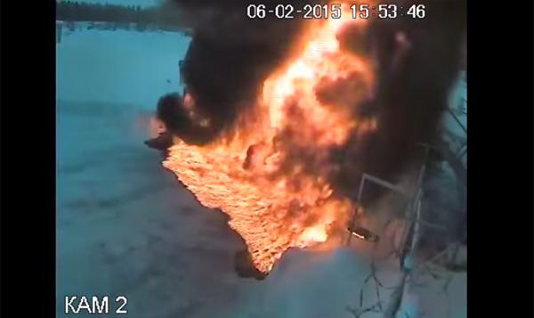 おそロシアのガソリンスタンドでタンクローリーが大爆発!原因がコワすぎる【動画】