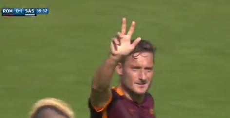 ローマの王子・トッティがデビューから24年、通算300ゴールの大記録達成