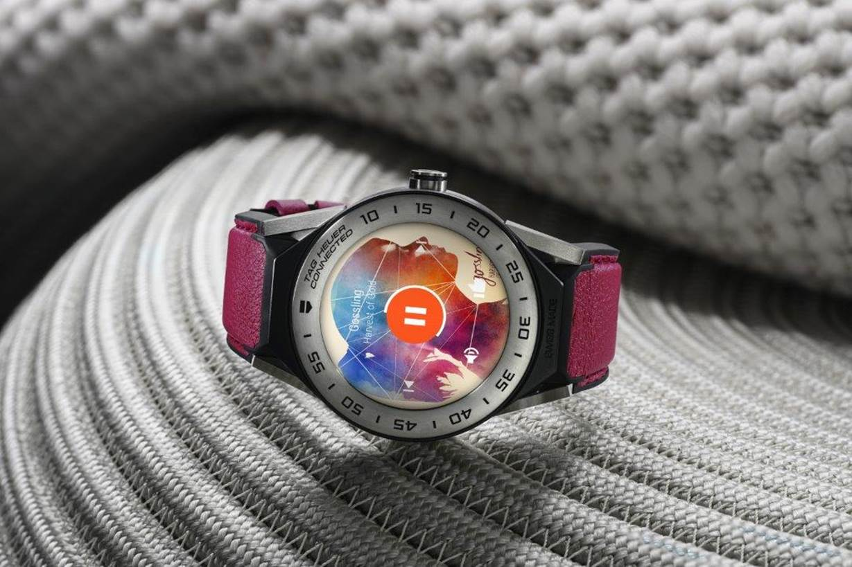 photo image Tag Heuer made a smaller modular smartwatch