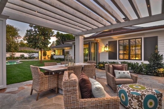Easy Ways To Create The Perfect Outdoor Living Room