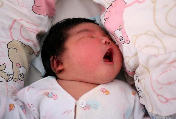 14lb baby boy born in China