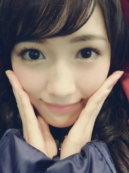 AKB48渡辺麻友の超可愛すぎる写真がネット上で大人気、秋元康氏も絶賛
