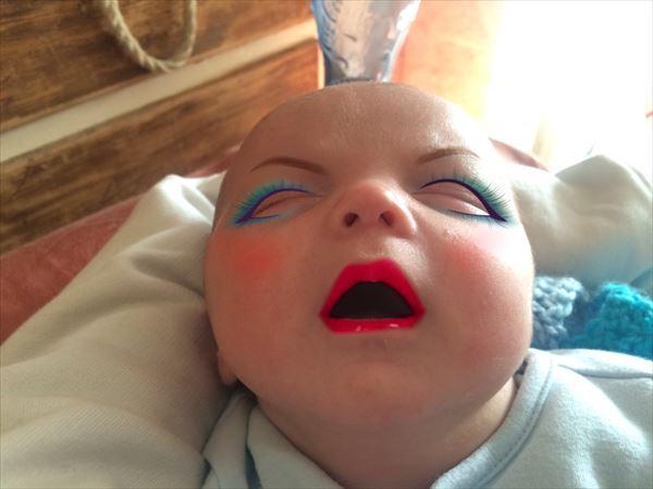 メイクアプリを使って赤ちゃんの写真を加工したらホラーになったww