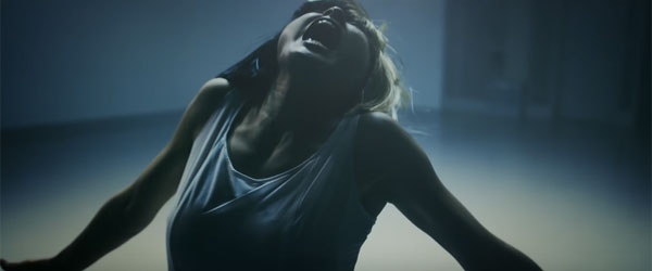 土屋太鳳がSiaの新曲「Alive」日本版MVで踊りまくっててカッコよすぎる【動画】