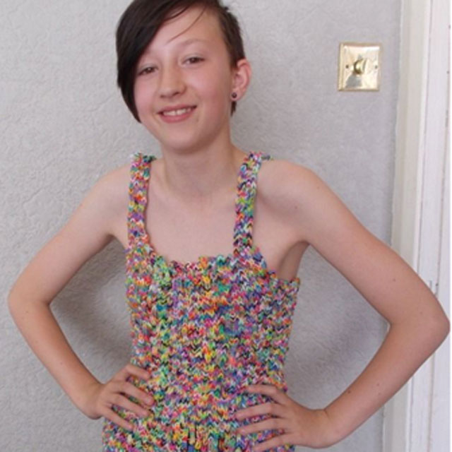 Loom band dress: eBay 'buyer' pulls out of £170,000 deal (now there's a surprise!)