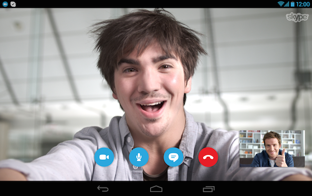 Ya puedes mantener la llamada de Skype mientras haces otra cosa en tu teléfono con Android