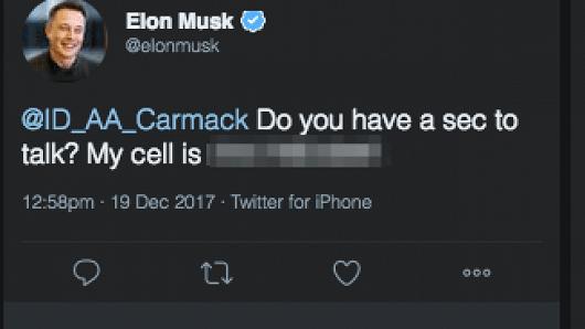 Elon Musk publica accidentalmente su móvil personal en Twitter y...