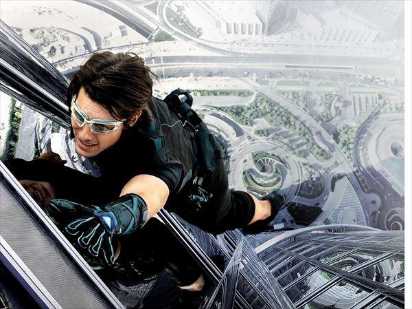 トム・クルーズ、また無茶しやがって!8月公開『MI−5』で地上5000フィートから宙吊りに