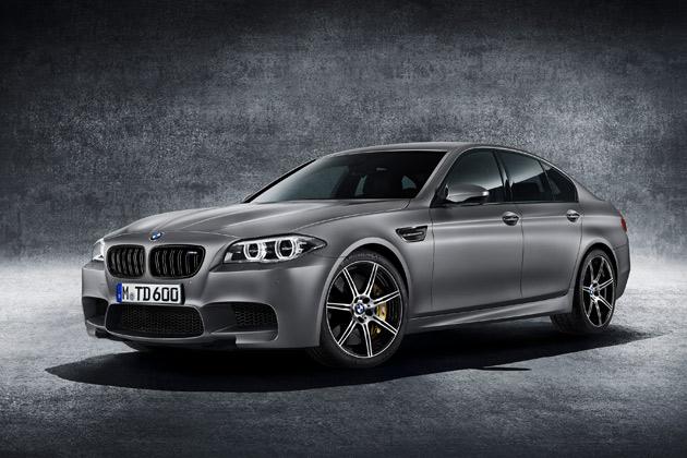 BMWジャパン、超高性能セダン「M5」の30周年を記念する特別限定車「30 Jahre M5」の日本導入を発表!
