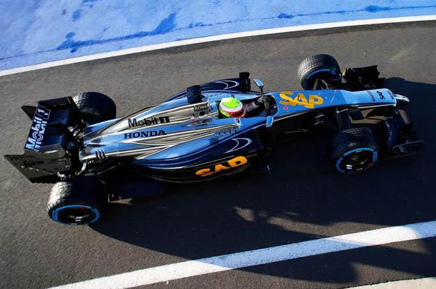 ホンダエンジン搭載のマクラーレンF1マシンがテスト走行を開始!