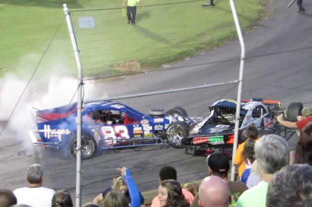 【ビデオ】NASCARのレースが一変して