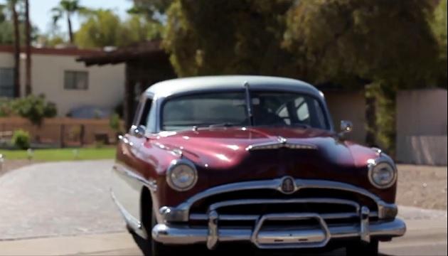 【ビデオ】父の思い出のクルマ1953年型ハドソン「ホーネット」を息子がプレゼント