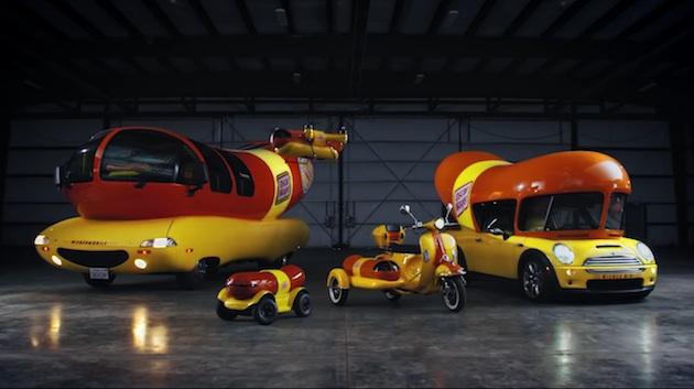 【ビデオ】ウィンナー型MINIにウィンナー型ヴェスパ? 米国の食品会社オスカー・マイヤーが、新たなウィンナー型車両を公開!