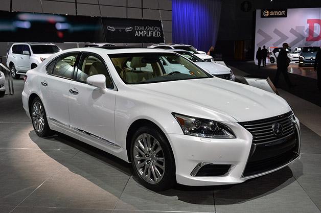 2015 Lexus Ls Gets Tiny Tweaks To Try To Keep Up In La