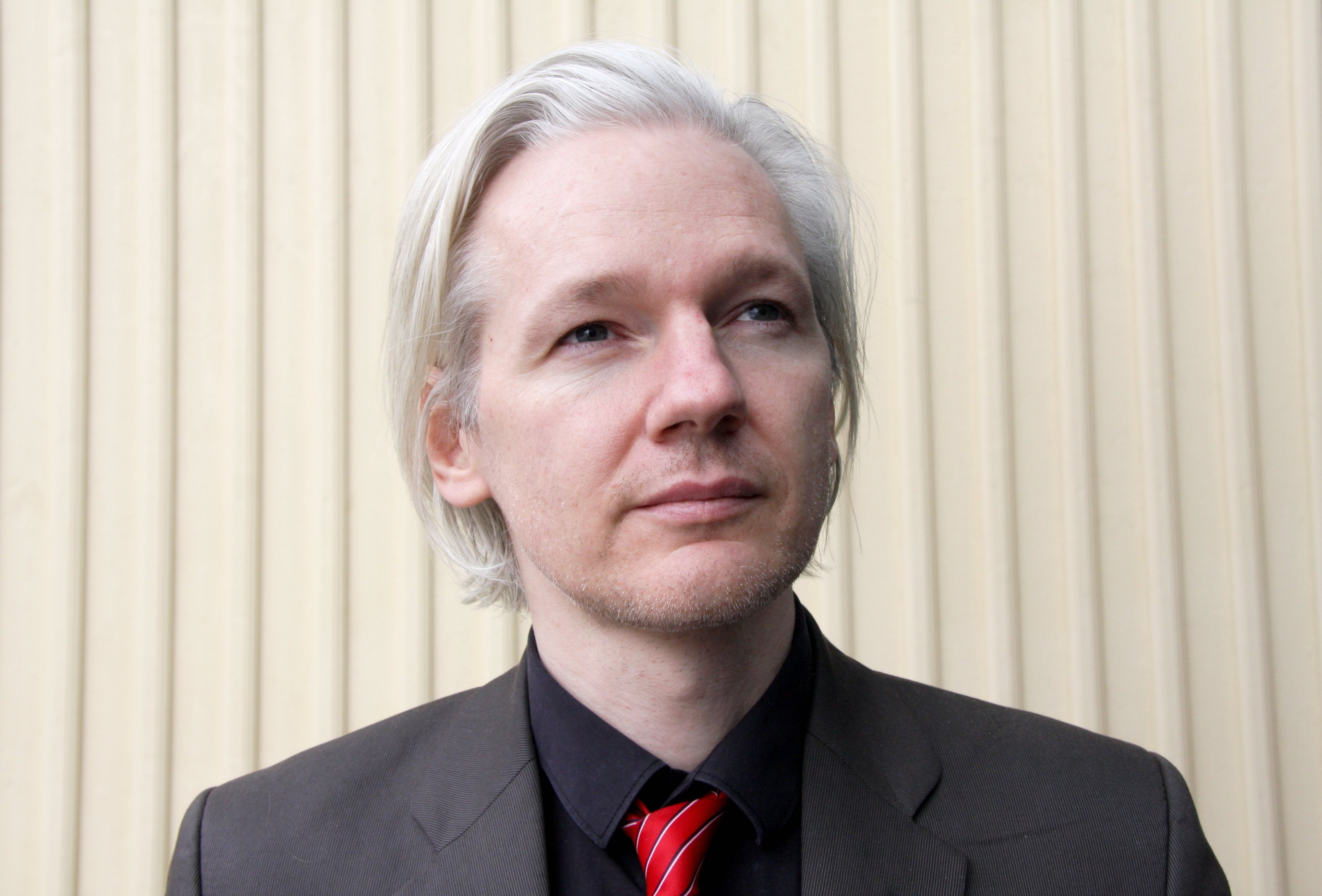 photo image Reports: US is preparing charges against Wikileaks' Assange