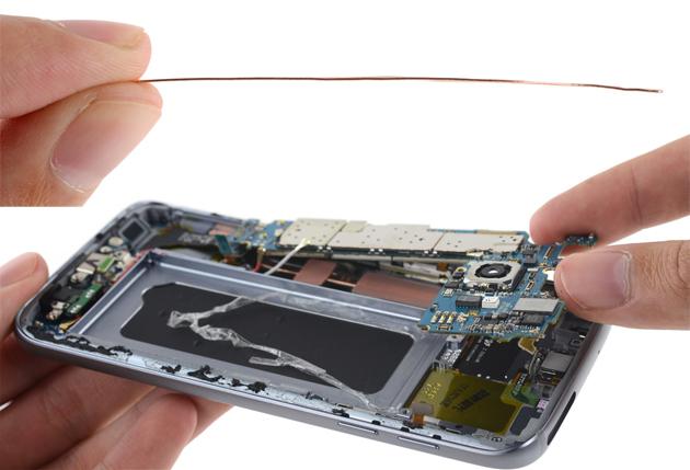 Galaxy S7 Teardown: Samsungs Flaggschiff wie gehabt reparaturunfreundlich
