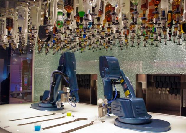 "Roboter-Barmann geht mit ""Smart Ship"" auf Kreuzfahrt (Video)"