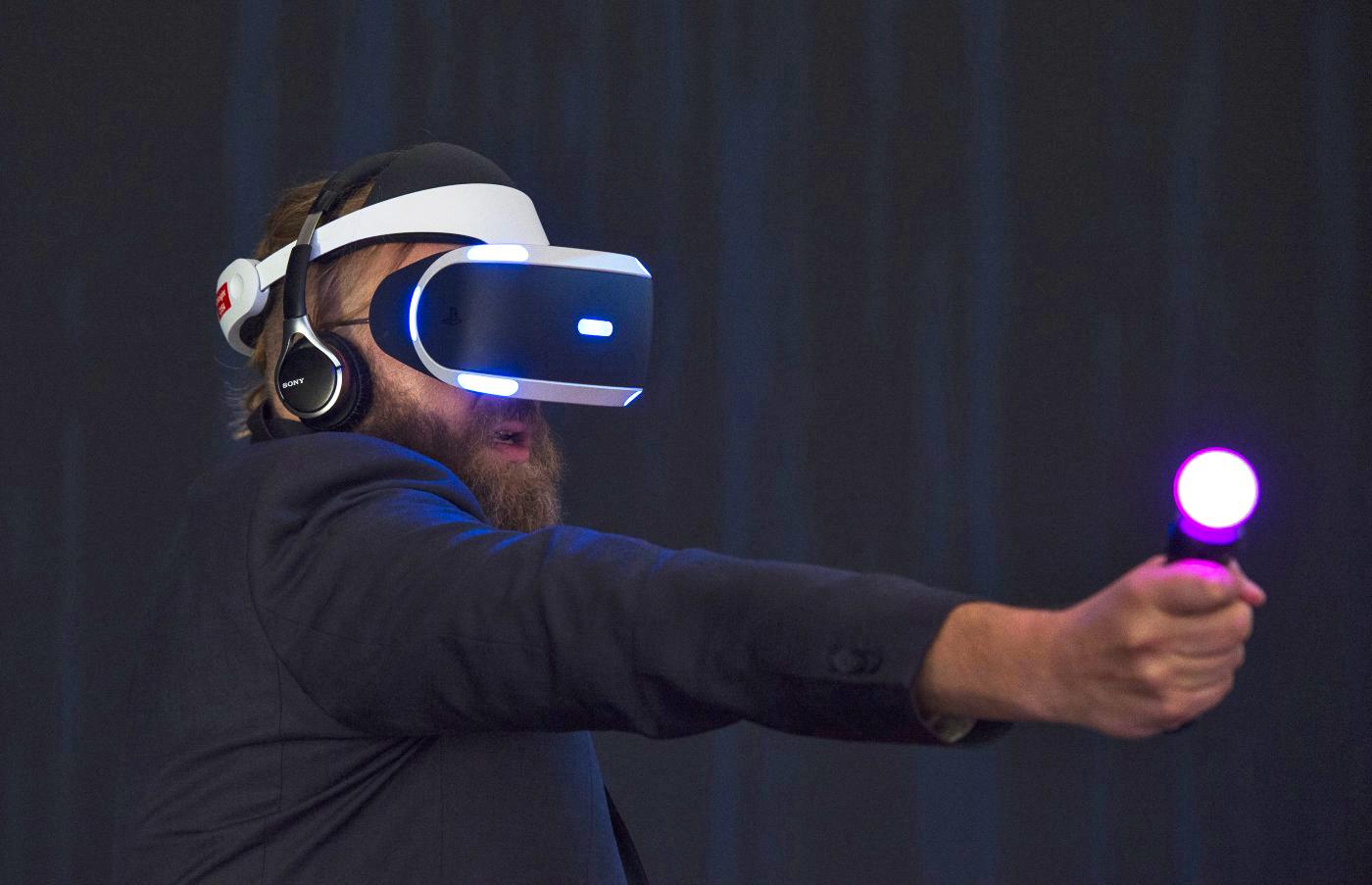 GameStop CEO: PlayStation VR will ship this fall