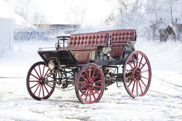 1896年に製造された世界初のハイブリッド車がオークションに