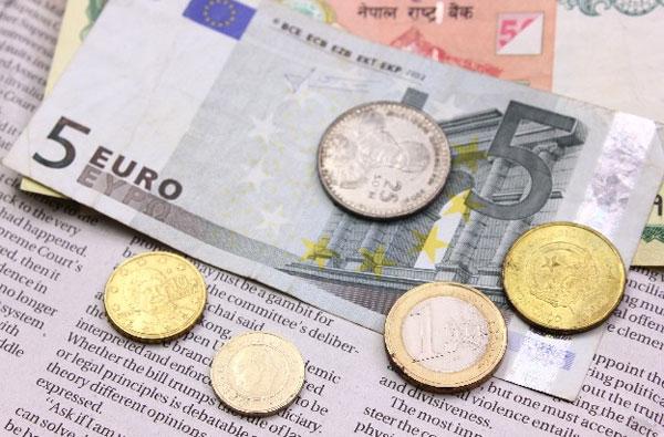 預ければ預けるほどに金が減る?マイナス金利を導入した銀行に「いつか日本も…?」