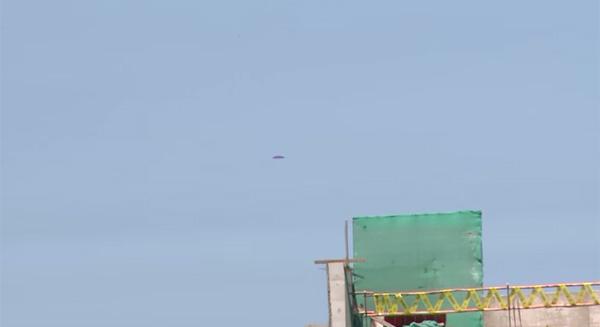 UFOか?紫色をした謎の飛行物体がペルー上空に出現、映像がネット上で話題に【動画】