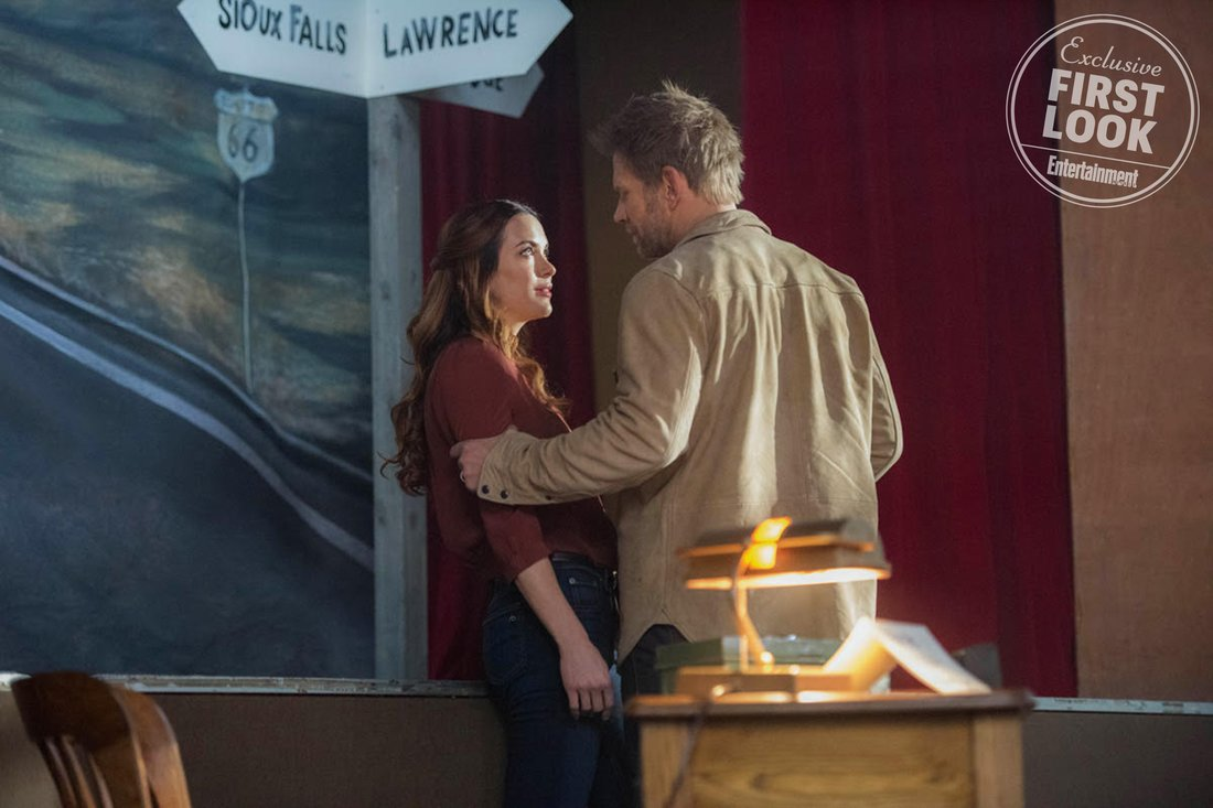 """Supernatural -- """"Devil's Bargain"""" -- Image Number: SN1313b_0016b.jpg -- Pictured (L-R):Danneel Ackles as Jo and Mark Pellegrino as Lucifer -- Photo: Dean Buscher/The CW -- © 2018 The CW Network, LLC All Rights Reserved"""