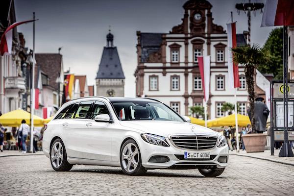 Mercedes Benz; C-Klasse T-Modell Fahrvorstellung, Frankfurt/Deidesheim, C-250 Diamant Weiss met. , Exclusive