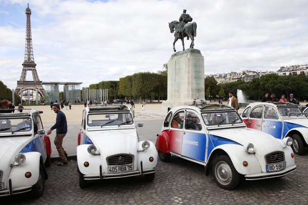 パリからクラシックカーの姿が消える!? 仏政府が市中心部への乗り入れを禁止する条例を提案