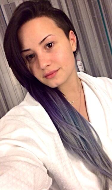 demi lovato makeup free selfie