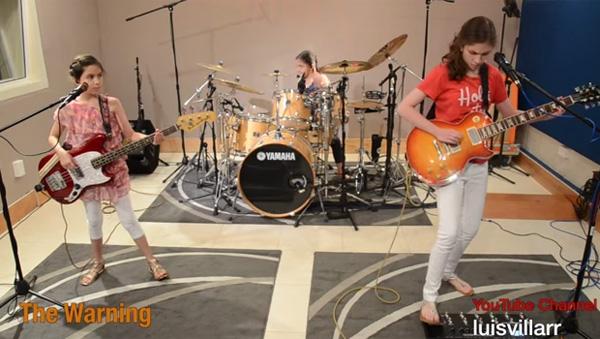 ブレイク間近!美少女3姉妹バンドによる演奏がスゴすぎると話題【動画】