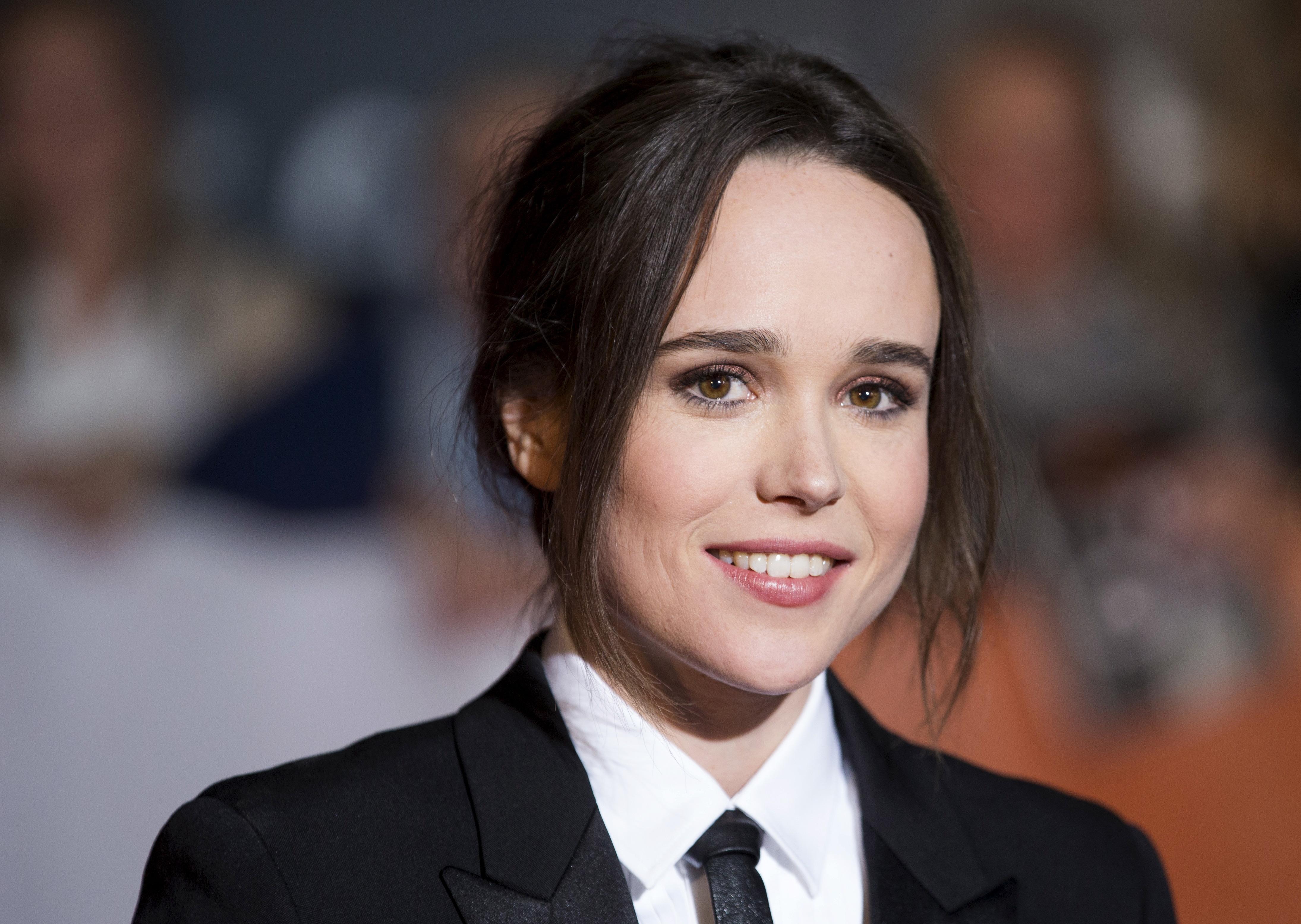 Emma Page Nude Photos 69